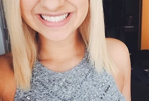 Vedra, nasmejana, vecito pozitivna