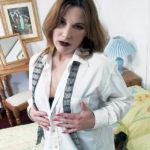 Bogata Direktorka seks seme